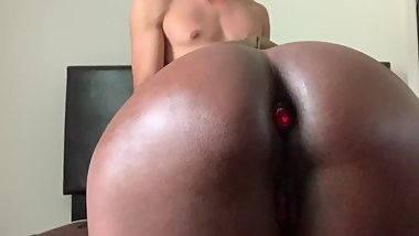 My black gf with perfect ass seduces me to fuck her at family meeting