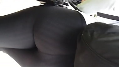 Big wow Butt in gym leggings!