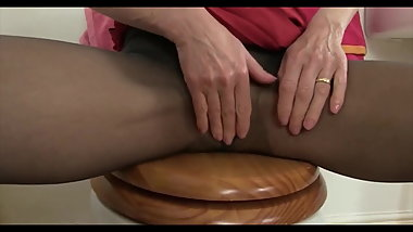 Mature pussies in pantyhose 6