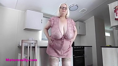 Squeeze those tits through that chair back Granny