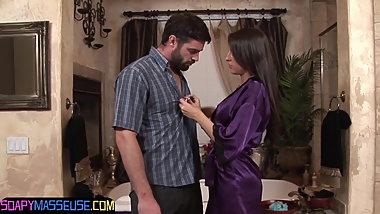 Amazing glam masseuse grinds on cock