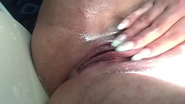 Squirting machine