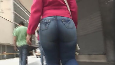 Latina big ass wide hips 11