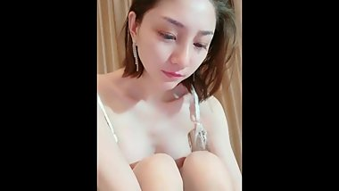 Tall Chinese Camgirl Live Masturbation 2