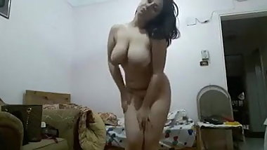 Horny & lonely Egyptian housewives showing & masturbating 5
