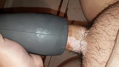 SEX TOY MAKES LOUD NOISES ON MY COCK