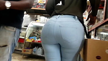 extremely phat ass in tight jeans