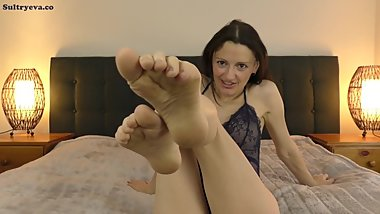 My barefeet make you want to blow your load - Foot Fetish