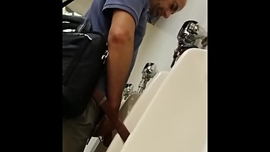 Spy HUGE dick daddy * no son that's not my belt* HOT urinal spy