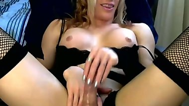 Sexy Avril jerks and cums