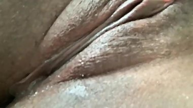 Fat pussy squirting
