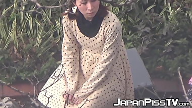 Classy Japanese babes recorded during pissing time
