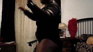 Exposed Thick Black Chick Big Tits Twerks