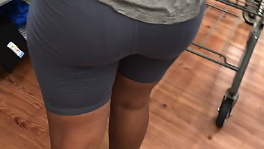 Wally instant nut booty phat ass!!!!