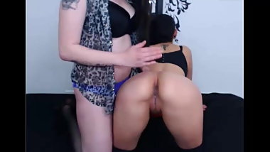 Sexy 2 young girls on webcam Sallyandgillian69