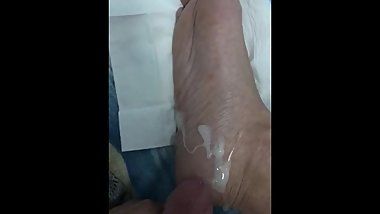 Teen boy cum on his feet