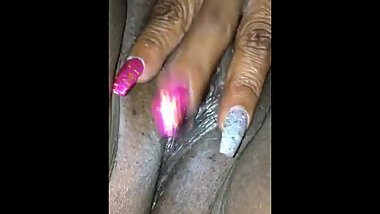 SHE'S PLAYING WITH HER PUSSY UNTIL IT CUMS