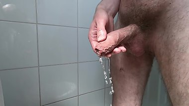 Awesome piss video (3 cameras in HD)