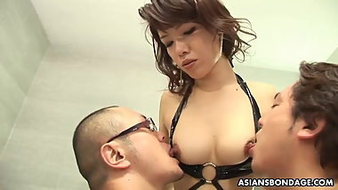 Skinny Mistress, Remi Kawamura is having a steamy hot threes
