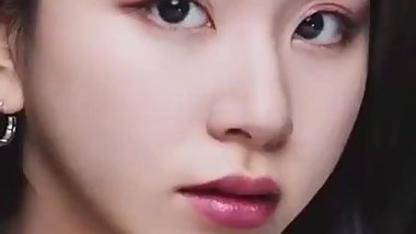Chaeyoung's Bukkake-Ready Close-Up