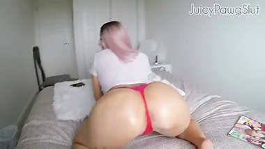 Juicypawgslut twerking her oily bubble ass