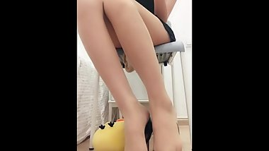 Chinese Feet Tease