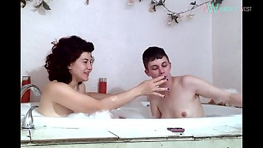 My smokey bath with Ingrid Mouth