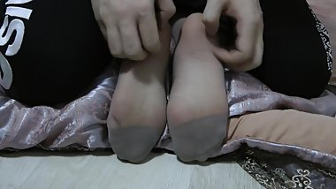 Nylon Feet Tickle
