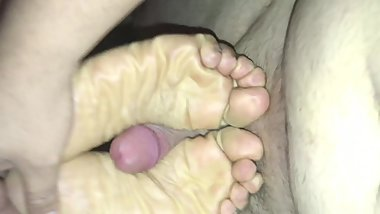 maori milf has been in high heels all day and asked me to cum on her feet