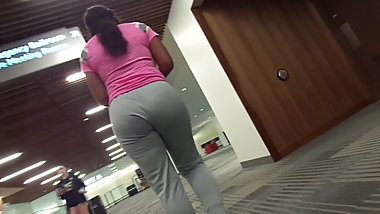 Big Thicky Juicy Ass Black Chick Very Jiggly Wit It!!