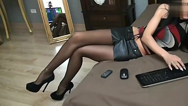 Russian Girl Webcam Long Pantyhose Legs and High Heels