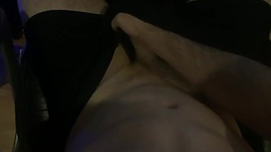 Straight guy shoots load on his stomach