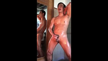 Thai man jerk off show (Rangsan)