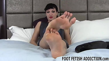 I wanted to help you indulge your foot fetish