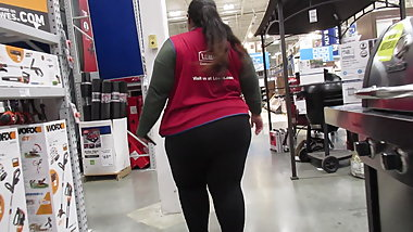 Thick ass booty BBW Latina at work in spandex