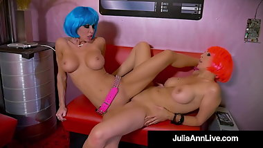 Mechanical Cougars Julia Ann & Jessica Jaymes Scissor Fuck!