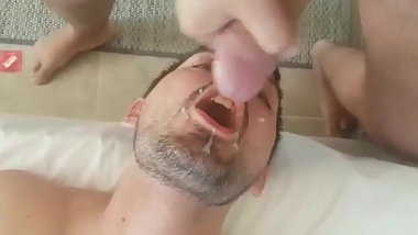 I love to suck greek cocks and swallow cum