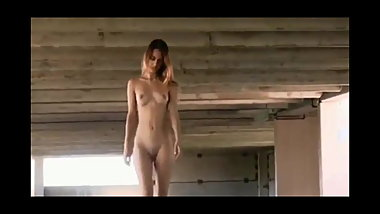 Uma Jolie In Public Nudity Clip