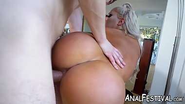 Bubble butt Brandi Bae enjoys every inch of this big dick