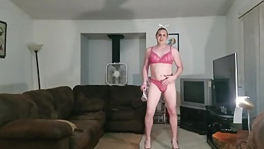 Tender Shoemaker in a matching bra and panties