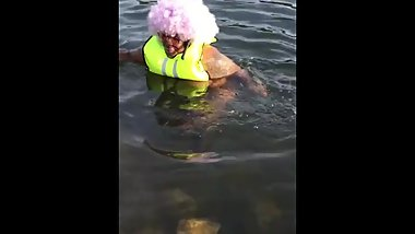 When Twerking In Lake Goes Wrong