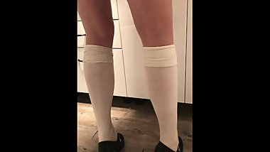 Crossdress wetting in panyhose, knee socks and high heels