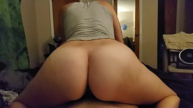 Pawg girlfriend fucks me slowly