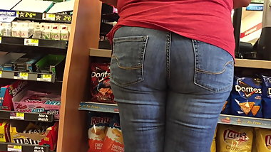 Plump BBW Pawg Granny Jeans Booty