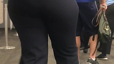 Phat booty jetBlue employee