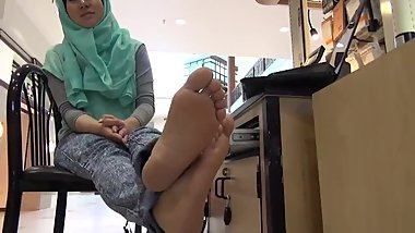 Candid feet interview with Arab girl in hijab