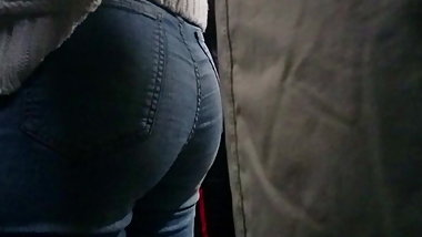 jean candid tight ass