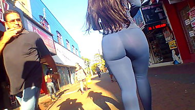 Unbelivable Latina Ass walking in Spandex must see