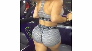 FAT ASS FITNESS GIRL