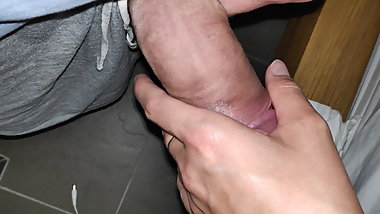 handjob by my wifein hidden cam 2019-4